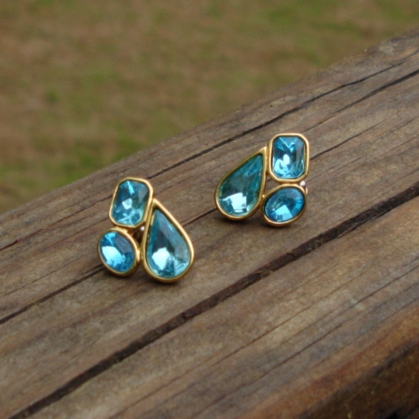 Vintage Trifari TM Blue Rhinestone Crystal Nugget Cluster Post Earrings, Pierced