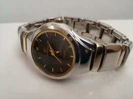 vintage watch / classic  ladies Watch / watch / Vintage watch / quartz watch / d image 2