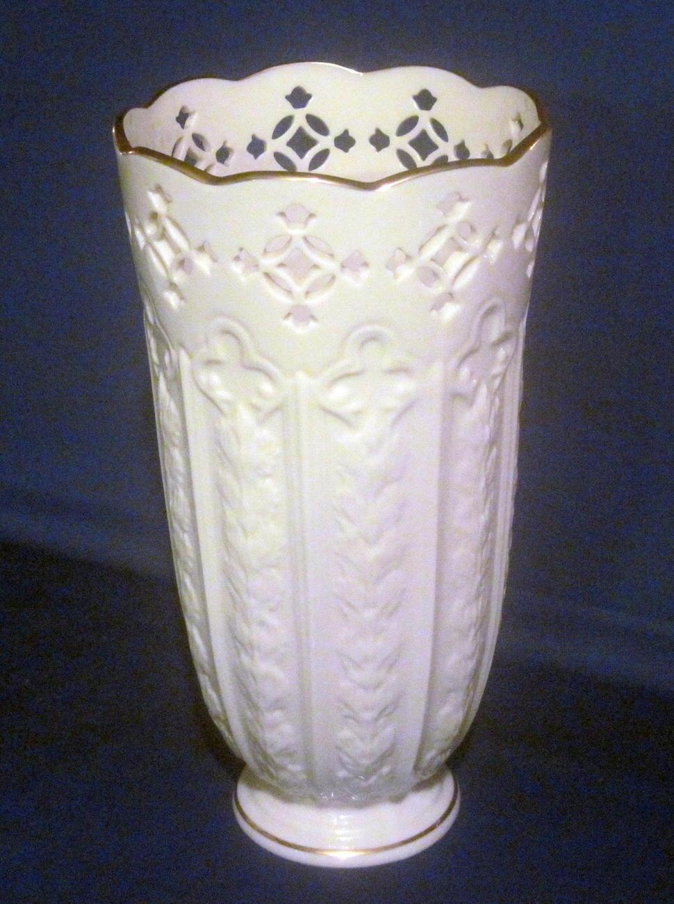 lenox fleur de lis pierced vase 9 5 inch ivory gold vases. Black Bedroom Furniture Sets. Home Design Ideas