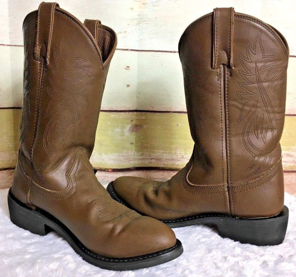 7a42efb71b107 JUSTIN Mens Size 9 D Cowboy Western Boots and 50 similar items