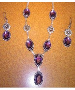 Beautiful necklace and earrings set. Free shipping. - $23.38