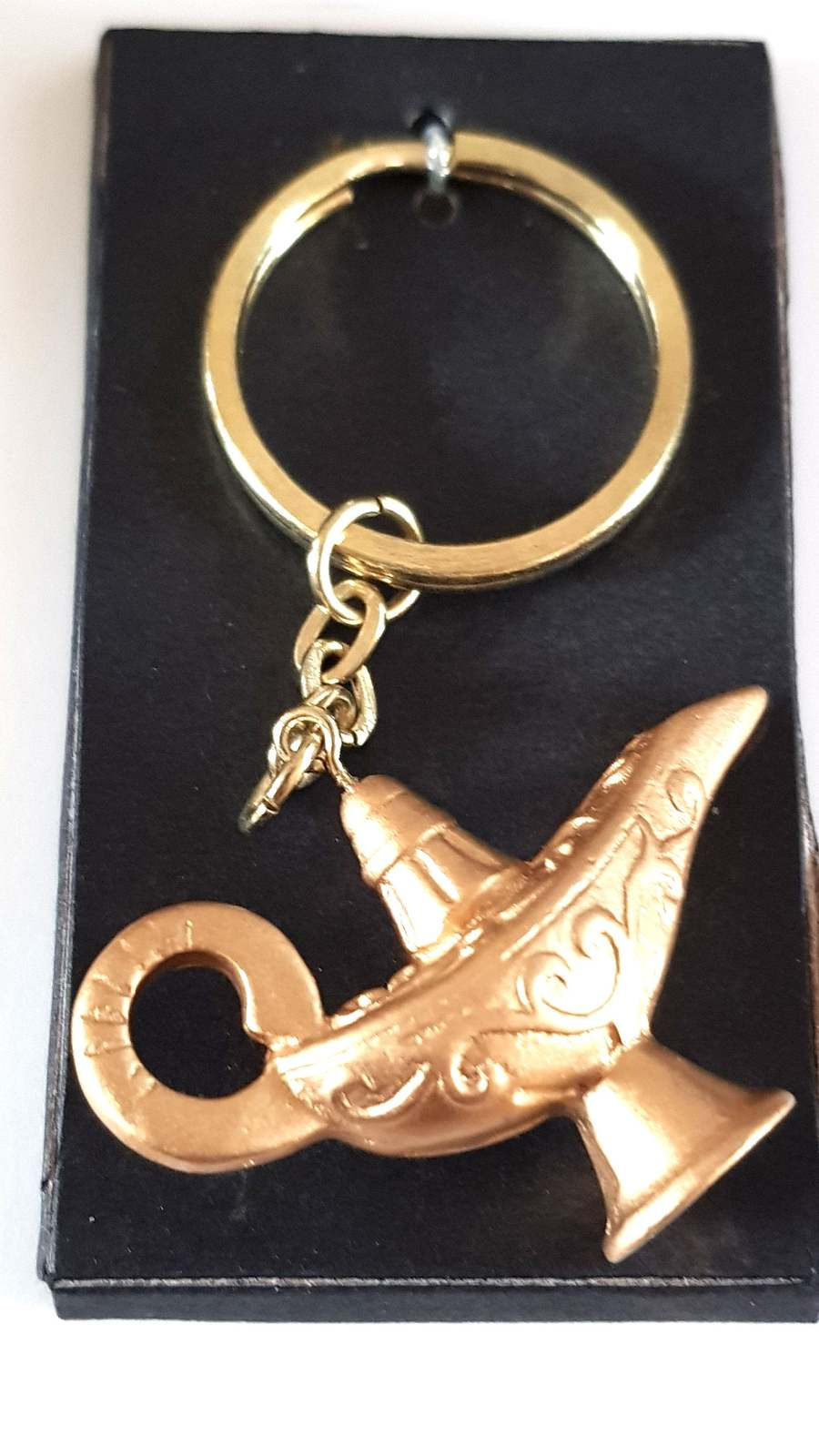 aladdins lamp hand molded and coloured keyring  handmade in uk from uk made part