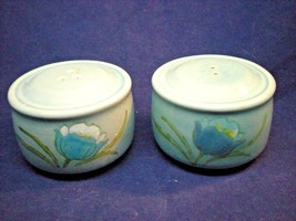 Vintage Metlox Poppytrail Vernonware Tulips Set Salt & Pepper Shakers Blue - $24.75