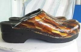 Dansko Womens Clogs Shoes MulticolorPatent Slip On Mid Heel EUR 38 US 7.5-8 - $19.99
