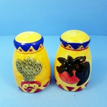 Southwest Salt and Pepper Shakers Vintage Ceramic Cactus and Peppers Hom... - £10.09 GBP