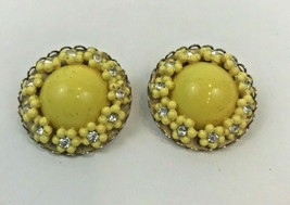 Vintage Earrings Button Daisy Yellow Enamel Rhinestone Clip On Rockabill... - $9.89