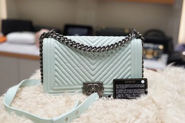 AUTHENTIC CHANEL MINT GREEN LEATHER CHEVRON QUILTED MEDIUM BOY FLAP BAG RHW image 1