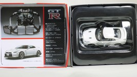 Tomica limited tomytec nissan gt r premium edition lv n116b   wht   08 thumb200