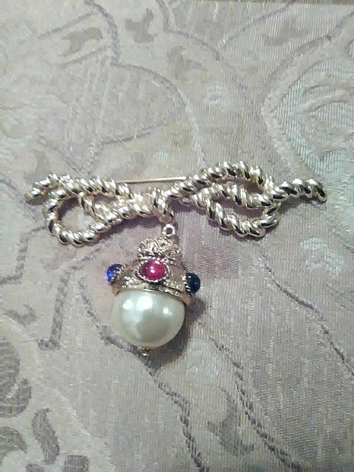 Primary image for VINTAGE GOLDEN PIN BROOCH WIDE BOW WITH LARGE FAUX JEWELLED FAUX PEARL DROP