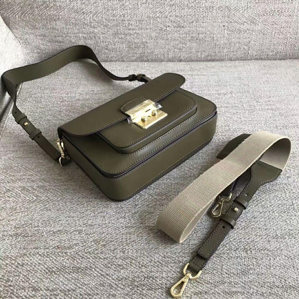 0a97987155b0 MICHAEL KORS Sloan Editor Leather Shoulder Bag Oliver Green authentic
