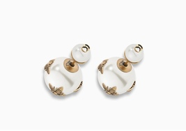 AUTH Christian Dior 2017 Autumn LIMITED EDITION TRIBALES WASP PEARL EARRINGS