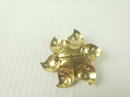 Fashion Jewelry Signed Coro Vintage Flower Brooch Pin Pendant - $18.55