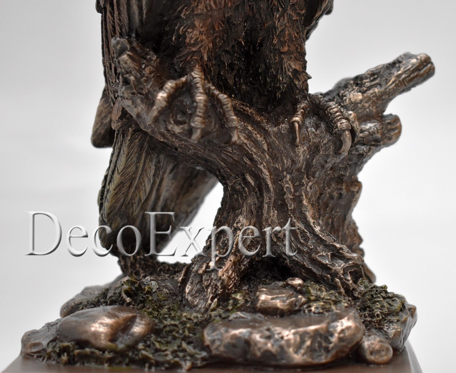 Eagle Perched on a tree Branch Beautiful BIG Sculpture *Free Air Shipping