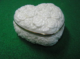 "Beautiful LENOX  HEART Trinket Box 3""X3""X1.5"" Gold Trim..Embossed Roses.. - $24.34"