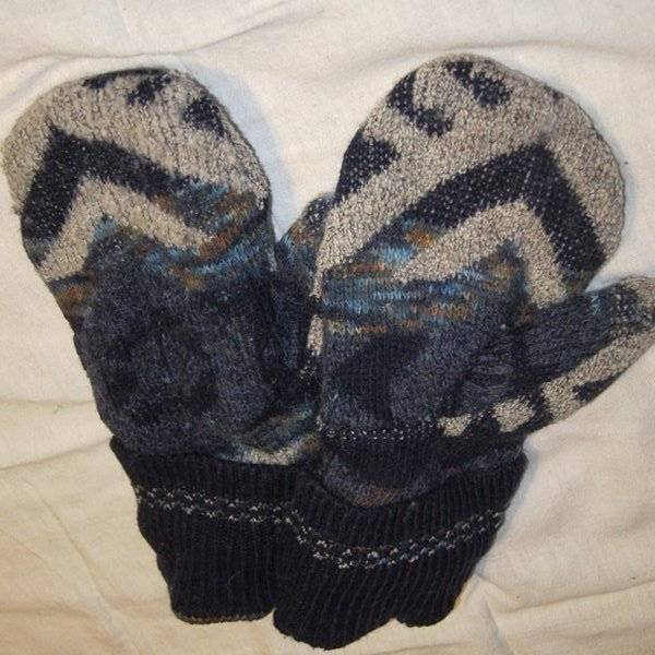 Recycled Handmade Wool Ladies Teens Mittens Navy/Tan/ Size M/L