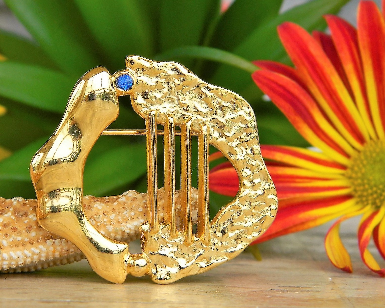Primary image for Vintage Rachel Gera Brooch Pin 1984 Israel Modernist Gold Harp Judaica