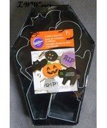 Wilton 7 Piece Metal Halloween Coffin Cookie Cutter Set Bat Skull Cat Pu... - $10.50