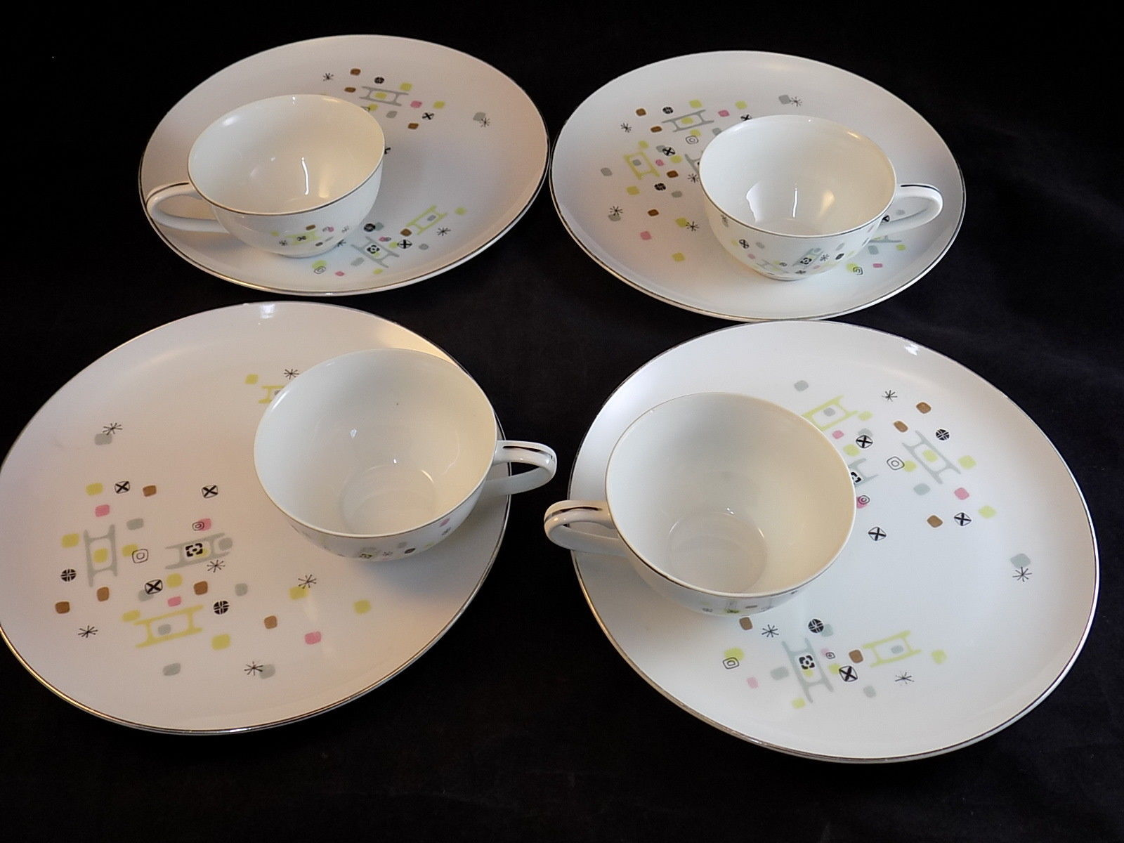 Laurel China Japan  FROLIC  4 SNACK PLATES and CUPS 1950s Geometric Atomic Age & Laurel China Japan