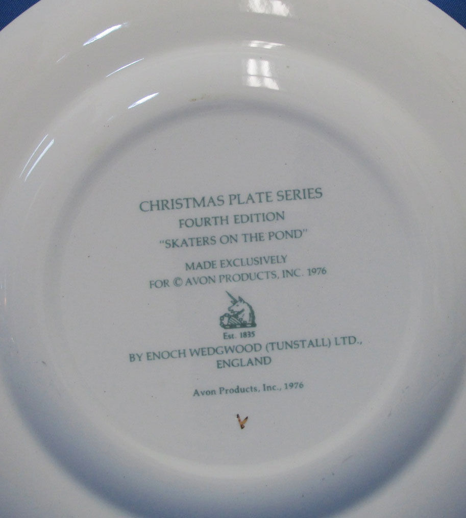 Vintage 1975 Enoch Wedgwood Collectors Plate Avon Christmas Skaters On The Pond
