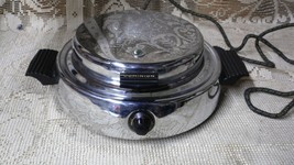VINTAGE 1940'S DOMINION CHROME WAFFLE MAKER IRON COOKING BAKING KITCHEN ... - $34.60