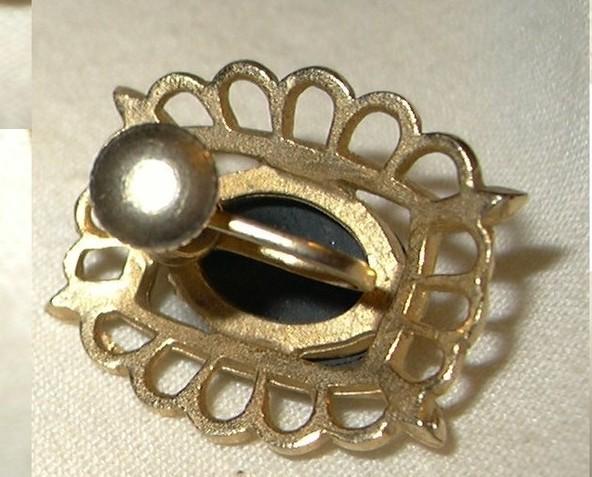 j74 Vintage Unique Carved Hematite Stone Screw Back Gold tone Earrings