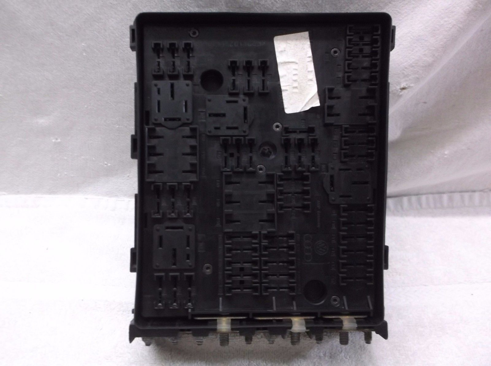 2008   08 Volkswagen  Vw Golf R32  A3  E0s 3 2l Fuse  Relay  Box  Assembly   Controls
