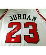 MICAHEL JORDAN / NBA HALL OF FAME / AUTOGRAPHED CHICAGO BULLS CUSTOM JERSEY COA