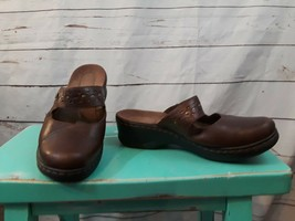 CLARKS  Women's Leather Brown Slip On Mules Mary Jane Shoes SZ 7.5 - $16.69