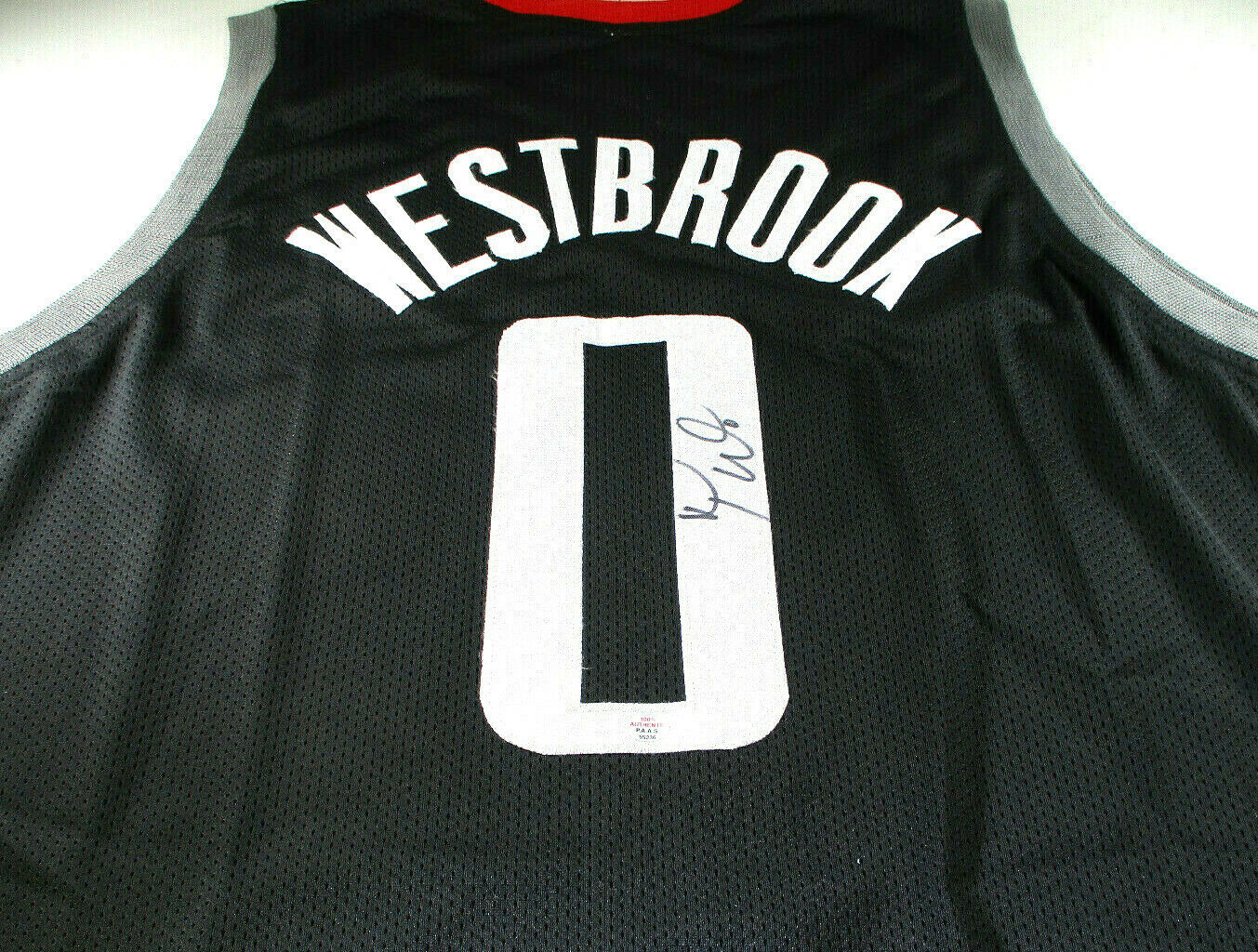 RUSSELL WESTBROOK / AUTOGRAPHED HOUSTON ROCKETS BLACK CUSTOM JERSEY / COA
