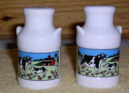 Cow Milk containers Salt & Pepper