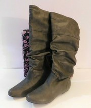 Qupid Slouch Grey Boot Size 6 Brand New - $25.50
