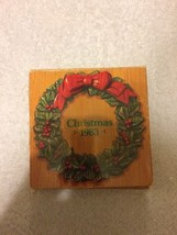 Vintage Avon Christmas 1983 Ornament Wreath Picture Frame With Original Box - $12.82
