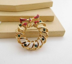 Vintage Gold Red Enamel Green Rhinestone Christmas Wreath Brooch Pin Pen... - $13.45