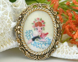 Vintage Embroidered Oval Picture Frame Brooch Pin Flowers Girl  image 4