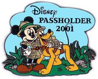 Disney Mickey & Pluto Never Pass holder Pin/Pins