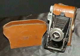 Kodak Tourist Camera 620 film camera with fitted Case AA20-CA4041 Vintage from t