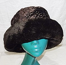 VINTAGE HAT BOX M BROWN BOWLER SHAPED HAT TRIMMED WITH FABRIC FUR SMART ... - $23.47