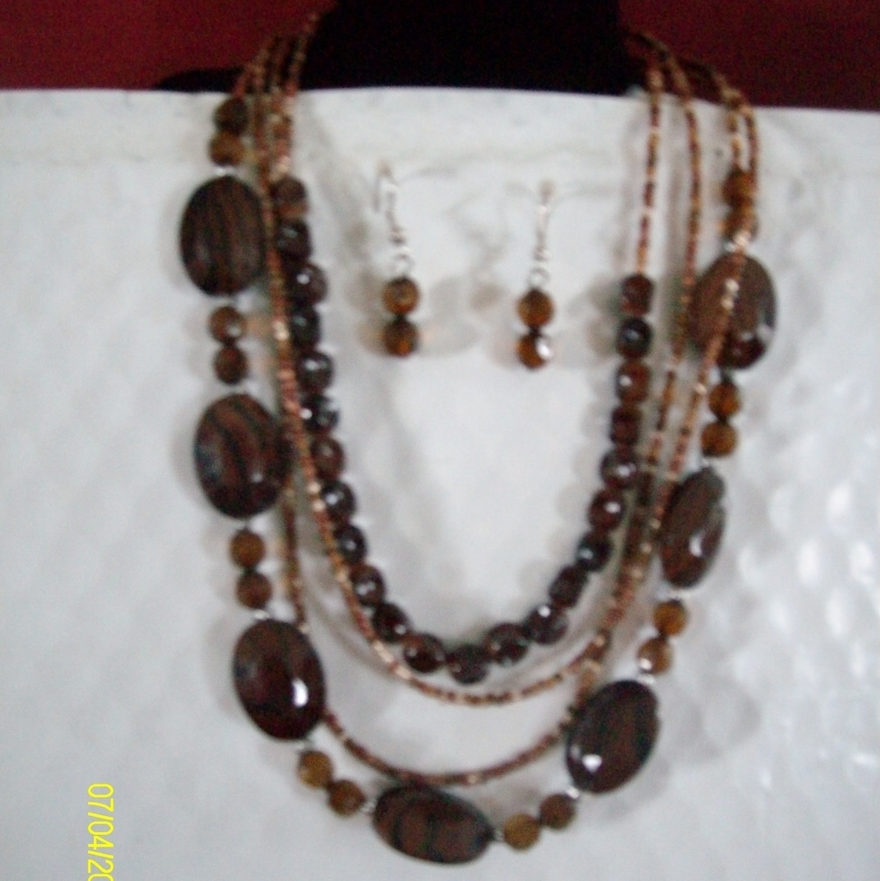 Acrylic and Shell Necklace Set   Brown  C-1 Bonanza
