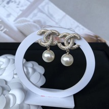 AUTHENTIC CHANEL Large Pearl CC Logo Dangle Drop Earrings Gold  image 4