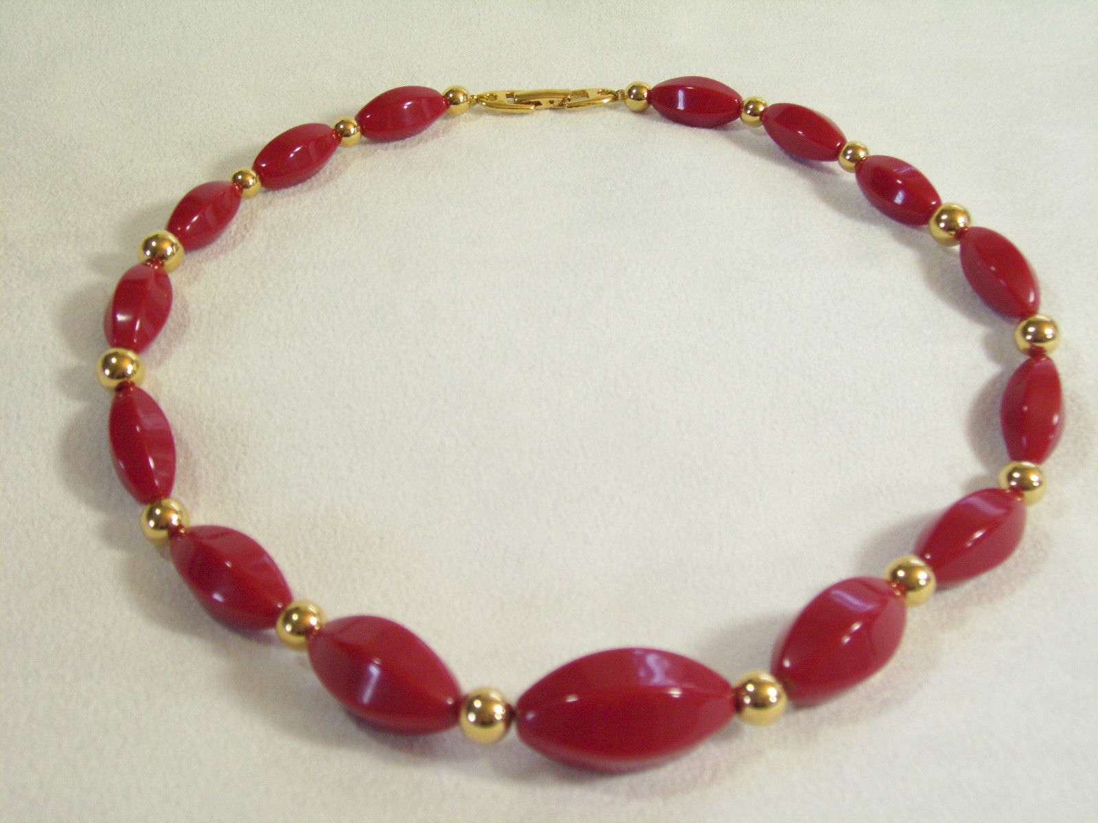 Napier Hot Red Beads Choker Necklace Gold Plated Oval Graduated Size Vintage  image 3