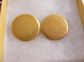 Vintage Retro Modernist Signed Lee Wolfe Gold tone Clip On Earrings - $19.55