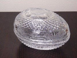 Avon Fostoria 1977 mothers Day Glass Egg Soap Dish - $13.99