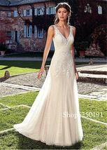 Tulle & Lace V-neck Neckline Wedding Dresses Champagne Bridal Dress image 4