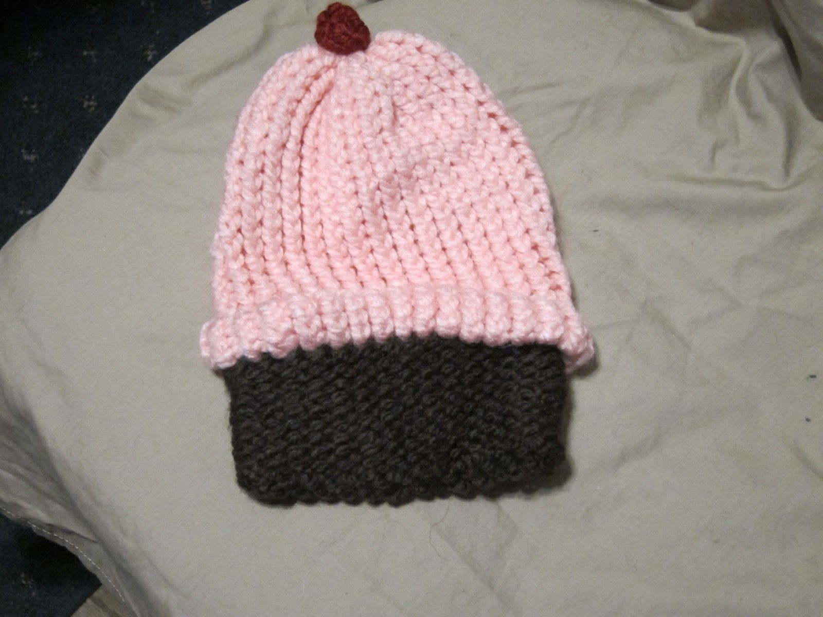 Handmade Knitted Pink Cupcake Infant Winter Hat Cap CUTE