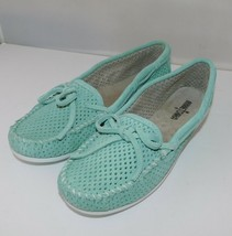 MINNETONKA Lisa Perforated Moccasin Mint Suede women 9 New - $28.84
