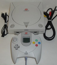 DREAMCAST CONSOLE BUNDLE - New Internal Battery! Model 1 Controller VMU ... - $96.57