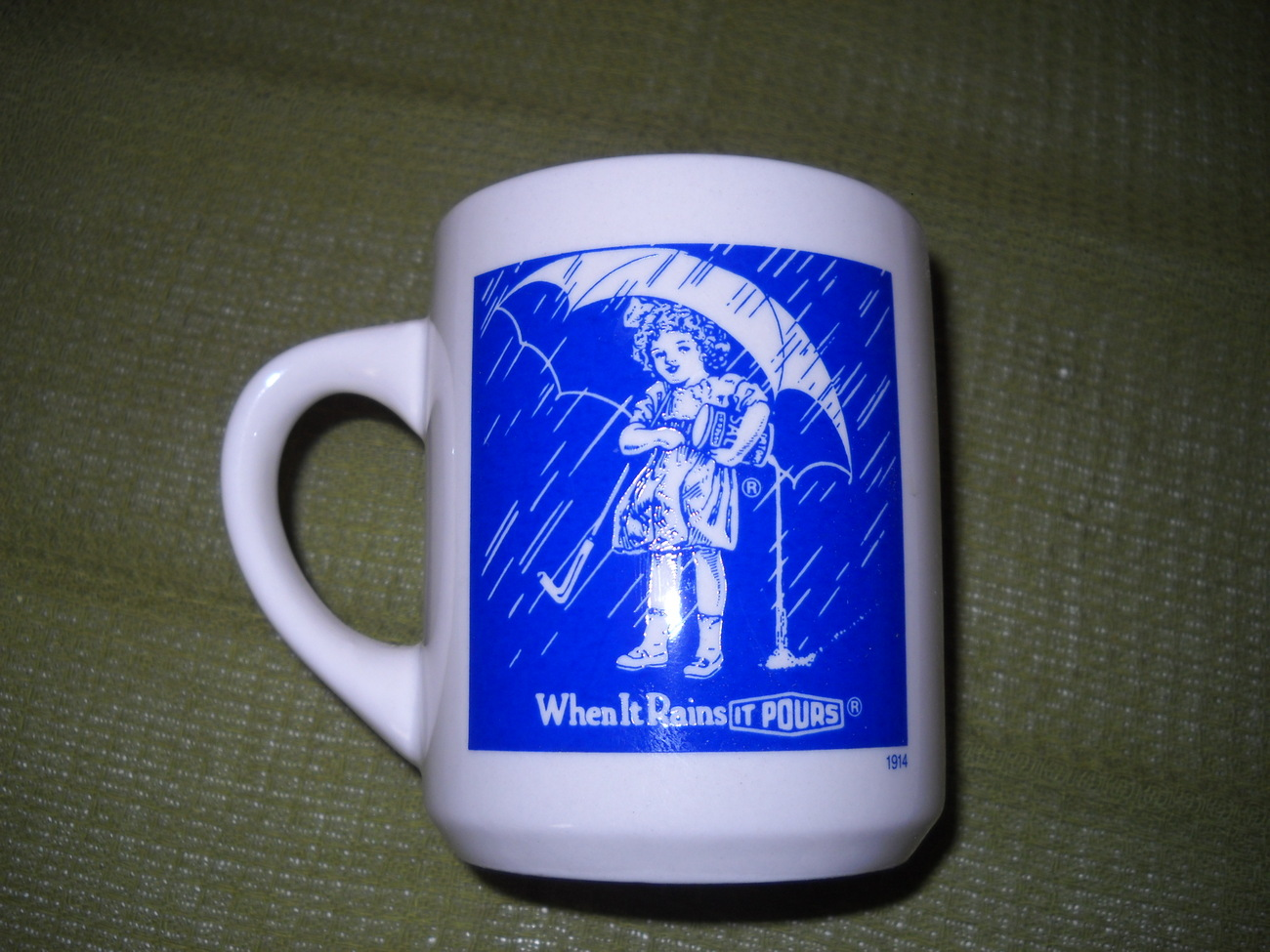 1914 Morton Salt Girl w/Umbrella Mug Bonanza