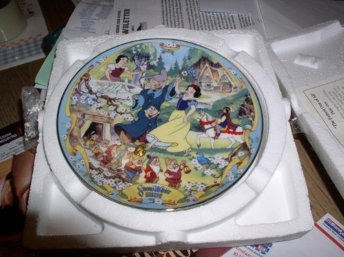 Disney Snow White & 7 Dwarfs Plate Musical cheap