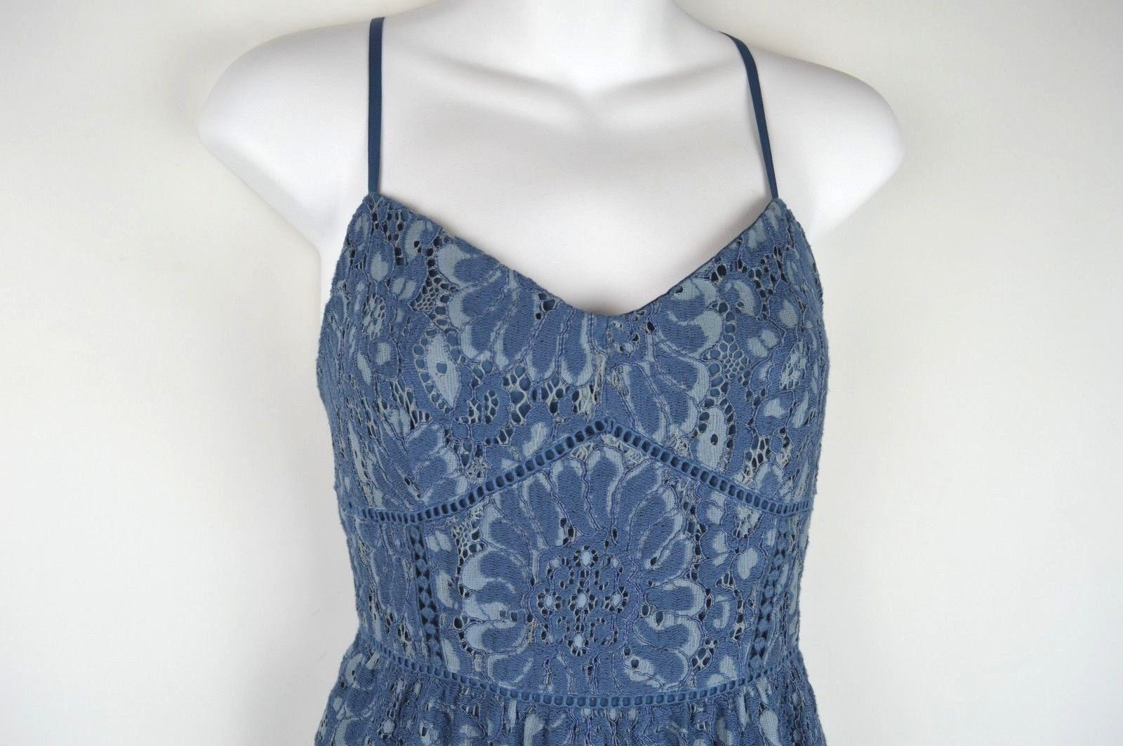 LOFT Ann Taylor 4p Blue Lace Dress Size 4P