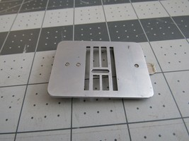Kenmore insert needle plate Zig Zag MPN # 121191001 EUC - $9.48